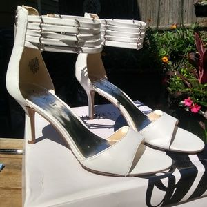 Ladies high heeled shoes size 7.5M